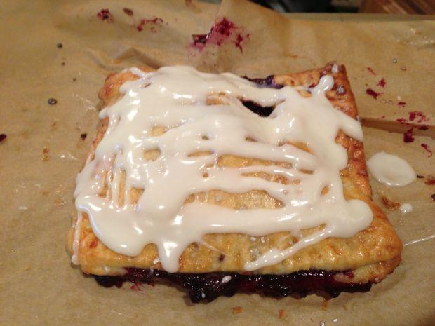 Pop Tart, poptart, frosted toaster pastry, glazed pastry, desserts, baking for kids, robertdeutsch