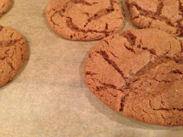 gingerbread cookies, molasses cookies, spiced cookies