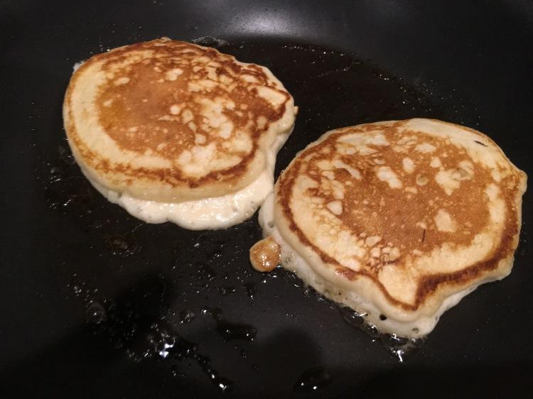 pancakes, banana pancakes, fluffy banana pancakes